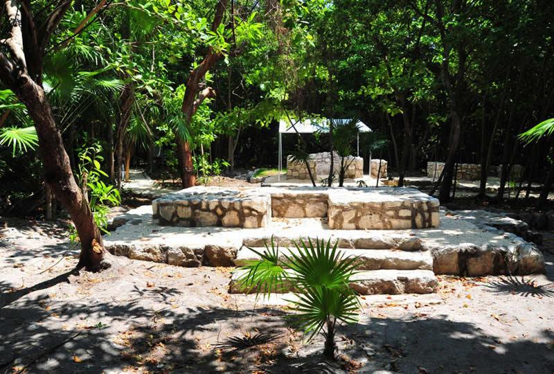 El Rey y San Miguelito, Cancún