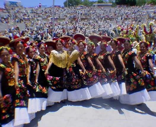 GRUPO VALLA 13 Fiestas