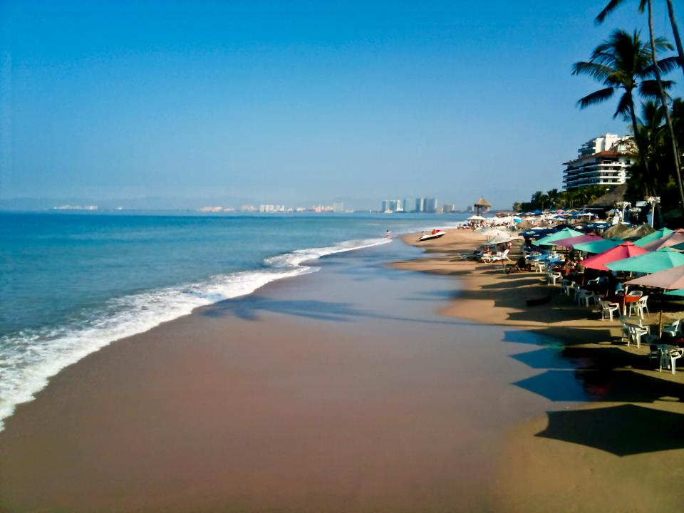 Resultado de imagen para playa palmares puerto vallarta