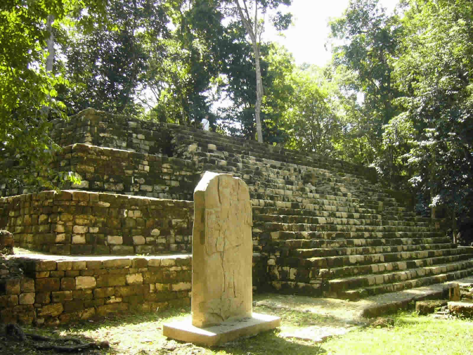 Zonas Arqueológicas en Guatemala