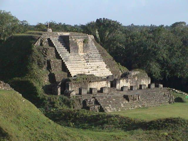 Zonas Arqueológicas en Belice