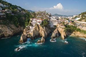 Recorriendo Acapulco desde un drone