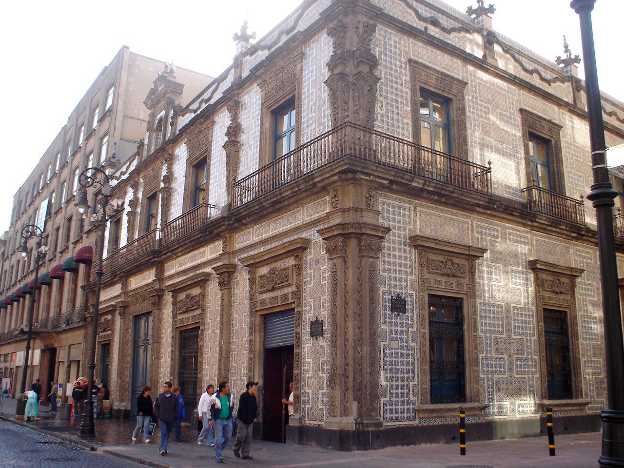 Palacio de los condes de orizaba turimexico for Casa de los azulejos en mexico