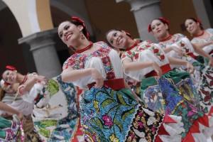 El bello y tradicional traje de China Poblana