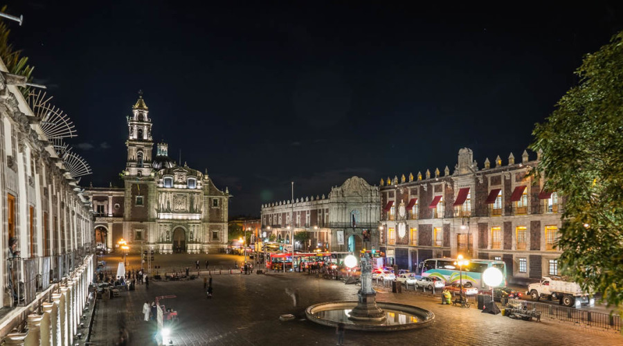 Plaza de Santo Domingo en la Ciudad de México