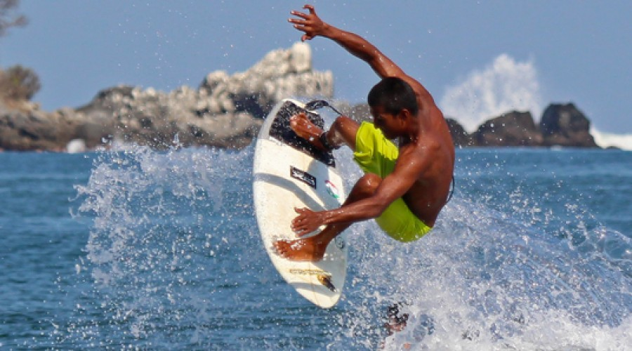 Surfeando en Sayulita, Riviera de Nayarit