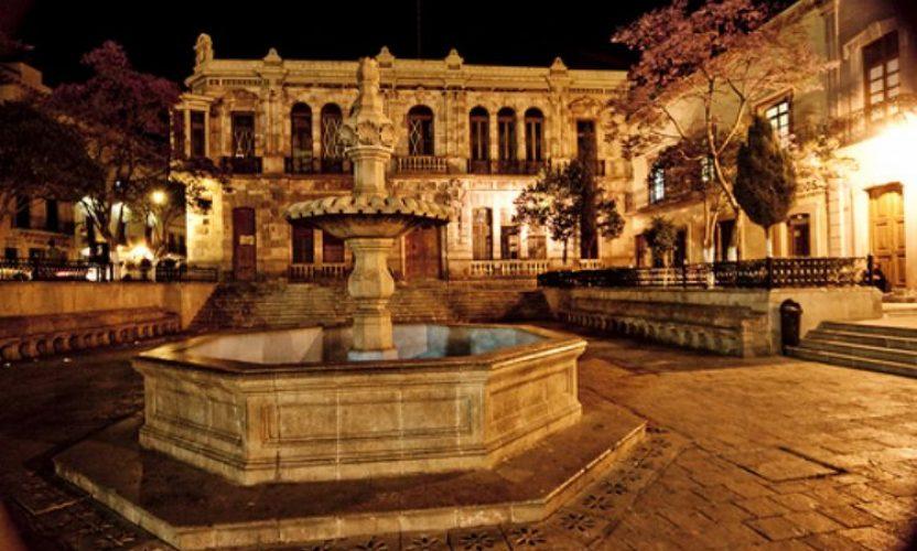 Recorriendo la ciudad de Zacatecas de noche