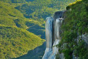 Hierve El Agua, un escenario espectacular en Oaxaca