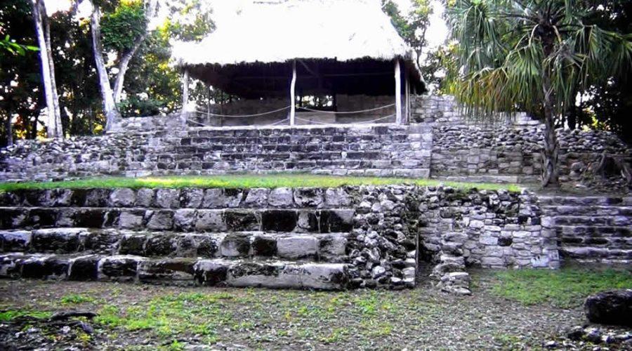 Zona Arqueológica Oxtankah en Quintana Roo