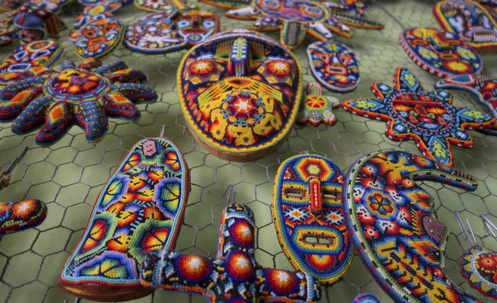 Descubriendo la Esencia Huichol