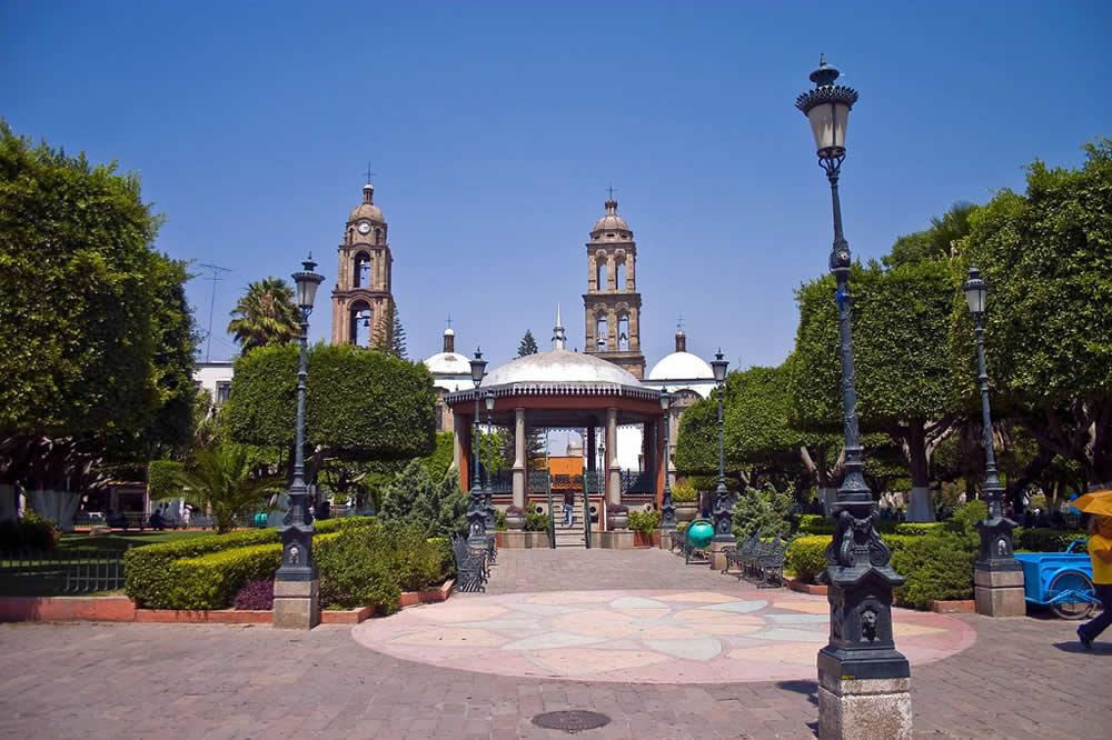 Jard n hidalgo en irapuato turimexico for Jardin hidalgo