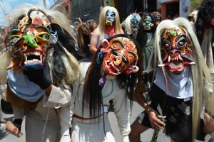 Tastoanes, Matlachines y Sonajeros en Jalisco