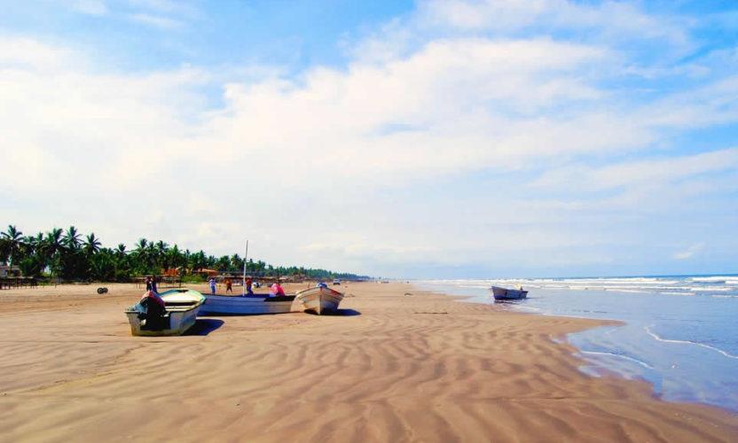 Playa El Novillero en Nayarit