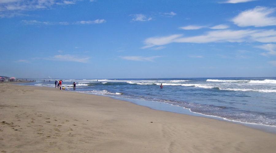 Playa Azul en Michoacán