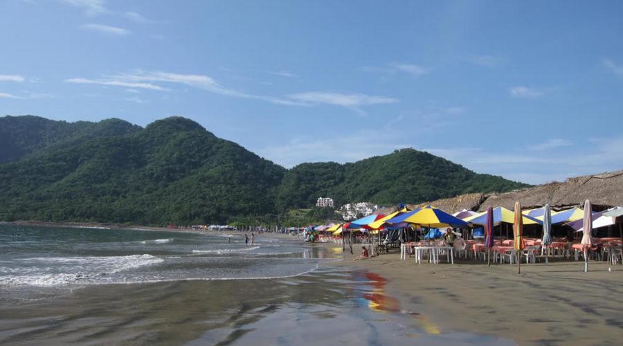 Playa La Boquita en Colima